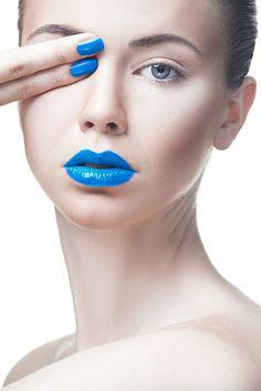 синие губы и ногти