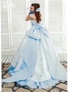 Barbie BRIDALのスイートブルードレス Barbie Gowns, Barbie Dress, Beautiful Costumes, Beautiful Gowns, Ball Dresses, Ball Gowns, Barbie Bridal, Blue Wedding Dresses, Gown Wedding