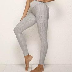 Weave Texture Ultimate Stretch Legging features - Smoothing, dense material - high waist for extra security Stretch Gym, Gym Gear, Gym Shorts, Body Size, Grey Pants, Mix N Match, Yoga Fitness, Fit Women, Size Chart