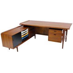 Exceptional Danish Modern Executive Desk Designed by Arne Vodder for Sibast, ca.1960
