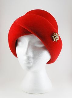 96c59be68410f Poppy red coloured felt wool hat made in Italy for Eaton s of Canada  department store around the late to early