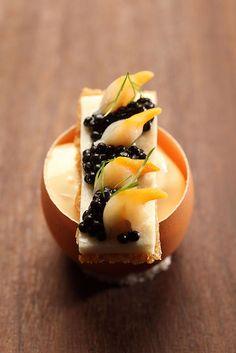 Berberechos con caviar sobre espuma (sanwich) de agua de mar????