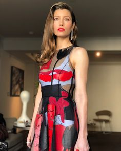 Jessica Biel, the epitome of Chic wearing Oscar de la Renta Jessica Biel And Justin, Jessica Alba, Biel Instagram, Black Tulle Dress, Actress Jessica, Fashion Vocabulary, Smart Outfit, Famous Stars, Kate Beckinsale