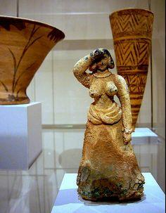 Bronze Female Figure, Minoan Palace of Malia, Crete Ancient Greek Art, Ancient Greece, Egyptian Art, Ancient Aliens, Ancient Egypt, Creta, Greek History, European History, American History