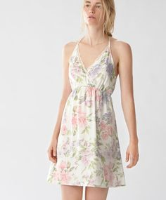 Lily flower nightdress with blonde lace - New In - Autumn Winter 2016 trends in… Girly Outfits, Cool Outfits, Ropa Interior Boxers, Sewing Lingerie, Night Dress For Women, Beautiful Lingerie, Everyday Outfits, Nightwear, Night Gown