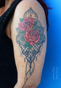 Ornamental - Tatuagem de Adriane Bazzo Tattoo Studio - Pouso Alegre/MG