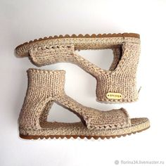 Crochet Shoes Pattern, Shoe Pattern, Knit Shoes, Slip On Shoes, Zapatos Shoes, Crochet Sandals, Shoe Crafts, Fabric Shoes, Knitted Slippers