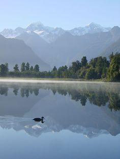 Mirror Lake, Westland National Park, South Island, New Zealand Lake Matheson Places To Travel, Places To See, Wonderful Places, Beautiful Places, Paraiso Natural, New Zealand South Island, Mirror Lake, New Zealand Travel, Beautiful World