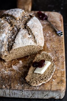 When Irish beer bread meets soda bread and mingles with whole grains, it means you can eat the whole. - Courtesy of Half Baked Harvest Beer Bread, Bread Bun, Bread Rolls, Pan Comido, Bread Recipes, Cooking Recipes, Pain Au Levain, Breakfast Desayunos, Half Baked Harvest