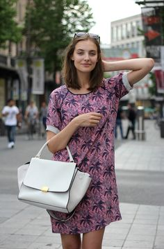 Polienne, a personal style blog by Paulien R. - ESSENTIEL PALMTREE DRESS