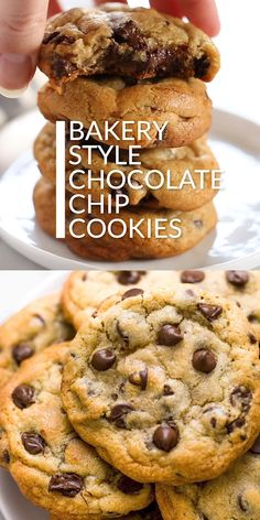 These are the best bakery style chocolate chip cookies! easy homemade recipe that is so chewy chocolatey and delicious! recipe by tessa of handle the heat bakerystylechocolatechipcookie bestcookierecipe chocolatechipcookie quick and easy blueberry muffins Bakery Style Chocolate Chip Cookie Recipe, Perfect Chocolate Chip Cookies, Chocolate Recipes, Chocolate Chips, Easy Chocolate Chip Cookie Recipe, Salted Caramel Cookies, Best Chocolate Chip Cookies Recipe, Chocolate Chip Muffins, Twix Bar Cookies Recipe
