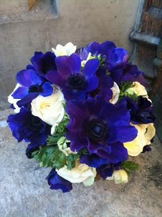 #BLUE #BOUQUET ♡ How to plan a Wedding Ceremony ♡ https://itunes.apple.com/us/app/the-gold-wedding-planner/id498112599?ls=1=8  ♡ Weddings by Colour ♡ http://www.pinterest.com/groomsandbrides/