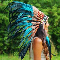 Beautiful turquoise Indian headdress made with feathers, genuine leather, and an intricate headband beadwork design perfect for costume and rave parties! Native American Girls, Native American Beauty, American Indians, Indian Headress, Native American Headdress, Indian Costumes, Feather Headdress, Cowboys And Indians, American Indian Jewelry