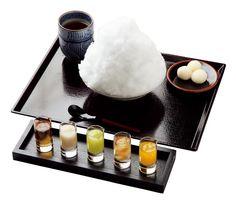 今や夏だけの甘味でなくなったかき氷だが、京都の和菓子司が手がけるとこんなにも豪華に。氷も蜜もすべて吟味された逸品だ。