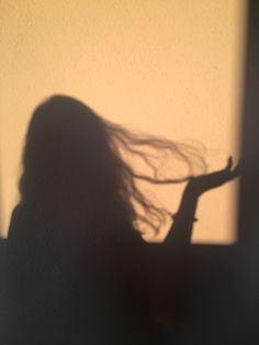 Shadow Photography, Girl Photography Poses, Tumblr Photography, Bad Girl Aesthetic, Aesthetic Photo, Aesthetic Pictures, Shadow Pictures, Profile Pictures Instagram, Snapchat Picture