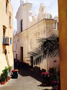Capri em Isola di Capri, Campania Positano, Capri Island, Small Island, Get Directions, Amalfi Coast, Beautiful Islands, Naples, Italy Travel, Greece