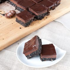nutella nanaimo bars, for kath and shauna Dessert Drinks, Dessert Bars, Dessert Recipes, Bar Recipes, Yummy Treats, Delicious Desserts, Sweet Treats, Chocolate Desserts, Chocolate Chip Cookies