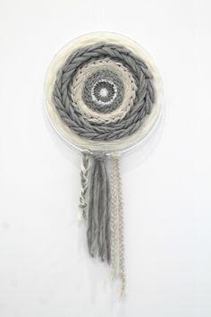 Circle weave  Www.lamminilo.blogspot.com Instagram @venlasof Hobbies And Crafts, Dream Catcher, Weaving, Diy Crafts, Handmade, Instagram, Dreams, Home Decor, Fabrics