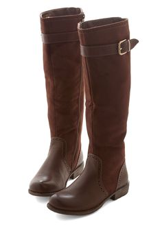 Apple Picking in Albany Boot. Enjoy the wide open farms upstate, crunching leaves under your toes in these auburn-brown, knee-high boots! by Joao. Brown Knee High Boots, Brown Booties, Knee Boots, Bootie Boots, Cute Shoes, Me Too Shoes, Vintage Boots, Fashion Boots, Women's Fashion