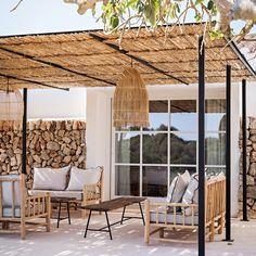 Décoration naturelle pour des vacances à Minorque - PLANETE DECO a homes world Terrace Design, Patio Design, Garden Design, House Design, Pergola Designs, Pergola Patio, Backyard Patio, Backyard Landscaping, Beach Patio