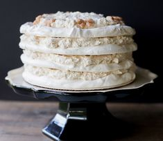A winter wonderland Chestnut meringue torte. Melt in your mouth layers of chestnut cream and meringue. Bake in advance and serve cold Pavlova, Chilean Recipes, Chilean Food, Meringue Cake, Caking It Up, Raspberry Smoothie, Sweet Recipes, Yummy Recipes, Dessert Recipes