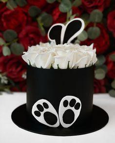 "THE INFINITY ROSES ROMANIA™ on Instagram: ""Bunny Box 🐇➖150RON➖"" Infinity, Bunny, Roses, Cake, Box, Desserts, Instagram, Tailgate Desserts, Infinite"