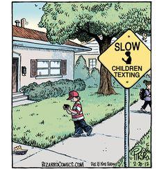 ¡CUIDADO! Niños mensajeando