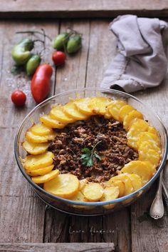 Cartofi cu carne tocata si ciuperci la cuptor, reteta pentru un pranz delicios. Mod de preparare, ingrediente cartofi cu carne tocata si ciuperci la cuptor