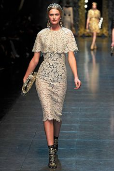 Dolce and Gabbana, fall 2012 Couture Fashion, Runway Fashion, High Fashion, Fashion Show, Fashion Design, Womens Fashion, Party Kleidung, Lace Dress, Dress Up