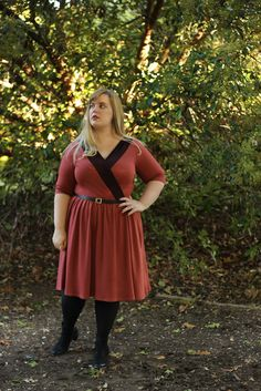 Idle Fancy: Miss Wren Attends the Ballet + Giveaway I like the contrasting fabrics on this version of the Wren Dress Made By Mary, Plus Size Beauty, Learn To Sew, Wren, Sewing Patterns, Sewing Ideas, Sewing Projects, Giveaway, Fashion Beauty