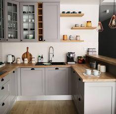 Kitchen Reno, Home Decor Kitchen, Home Kitchens, Kitchen Dining, Kitchen Cabinets, Mexican Home Decor, Flat Interior, Stylish Kitchen, Attic Apartment