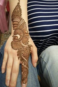 No occasion is carried out without mehndi as it is an important necessity for Pakistani Culture.Here,you can see simple Arabic mehndi designs. Simple Arabic Mehndi Designs, Henna Art Designs, Mehndi Designs 2018, Modern Mehndi Designs, Mehndi Designs For Girls, Wedding Mehndi Designs, Dulhan Mehndi Designs, Henna Mehndi, Simple Henna