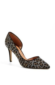 Just add leopard pumps