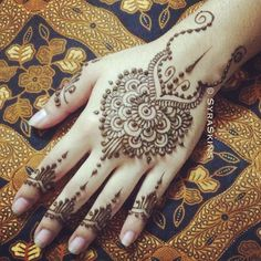 Beautiful Mehndi Henna hand tattoo