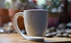 Floating Mug par Tigere Chiriga