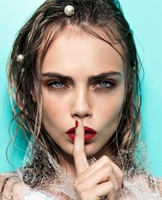 Model, cara delevingne, and beauty image. Poses Modelo, Cara Delvingne, Tush Magazine, Foto Top, Shotting Photo, Woman Face, Portrait Photography, Black And White, Celebrities