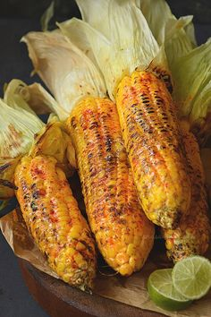 Cajun Butter Grilled Street Corn - - Spicy and Buttery Cajun spiced grilled street corn. Grilling Recipes, Gourmet Recipes, Mexican Food Recipes, Cooking Recipes, Healthy Recipes, Haitian Recipes, Easy Cooking, Corn Recipes, Vegetable Recipes