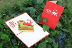 Train Pop-up Cards Pop Up Cards, Playing Cards, Train, Christmas Ornaments, Holiday Decor, Crafts, Manualidades, Playing Card Games, Christmas Jewelry