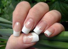 """Tips on how to grow long, healthy nails"" - White Tip Fingernails Gel Polish Colors, Gel Nail Polish, Gel Nails, Nail Care Tips, Nail Tips, French Nails, Grow Long Nails, Nagel Hacks, Top Nail"