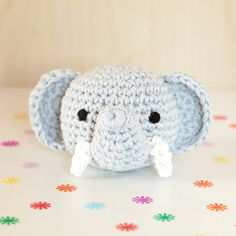 Rassel gehäkelt Tierkopf Elefant niedlich kindlich von MJUKstore #mjukstore #etsy #unseretsy #animalhead #decoration #homemade #home #fox #kids #kidsroom #design #teampinterest #homedeco #style #trend #cute #mummy #parents #family #textiledesign #crochet #pig #bunny #rabbit #penguin #elephant #textile #wool #germandesign #handmade #diy #penguin #frog #fox #pig #etsyawards2016 #etsyaward #finalist2016 #frog #rattle #new #baby #gift #newborn #elephant