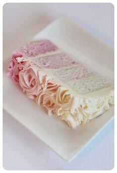 Beautiful Ombre Wedding Cake // Wandering Gypsy Bridal Guide