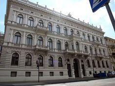 Pałac Maurycego Poznańskiego w Łodzi  zbudowany około 1896 roku, dla Maurycego, najmłodszego syna Izraela i jego żony Sary z domu Silberstein, według projektu Adolfa Zeligsona. Obecnie - Muzeum Sztuki.