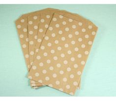 Polka Dot White on Craft M  Size: 19 x 13 cm. Set goes with 10 pieces....
