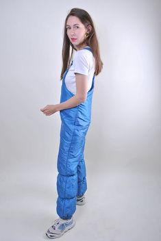 blue ski suit, vintage suspenders women snow suit, Size M Welcome to TARASCOMMON. Model tall - Size: M. Vintage Summer Outfits, Bib Snow Pants, Suspenders For Women, Vintage Ski, Cotton Suit, Running Pants, Down Parka, Snow Suit, Unique Outfits