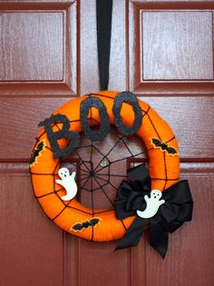 Halloween Wreaths, Ghosts, Trees and Door Decor-A Must See! It's Written on the Wall: Halloween Wreaths, Ghosts, Trees and Door Decor-A Must See! Spooky Halloween, Halloween Rose, Halloween Door Wreaths, Halloween Door Decorations, Theme Halloween, Halloween Signs, Holidays Halloween, Halloween Crafts, Halloween 2019