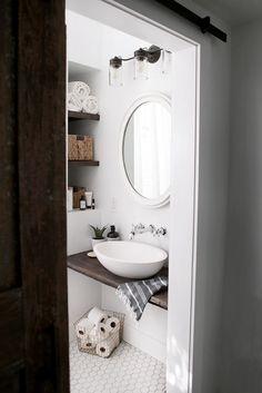 DIY Floating Sink Shelf @themerrythought