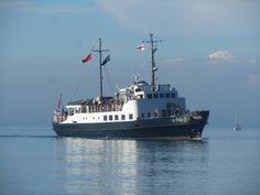 The MV Oldenburg approaches Ilfracombe Quay