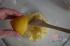 Vanilková kolečka lepená marmeládou | NejRecept.cz Eggs, Breakfast, Food, Morning Coffee, Essen, Egg, Meals, Yemek, Egg As Food