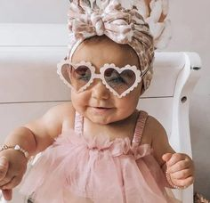 Baby Heart Sunnies Unicorn Party, Unicorn Birthday, Birthday Fun, Cute Frames, Birthday Party Outfits, First Birthday Photos, Themed Outfits, Barbie, Baby Milestones