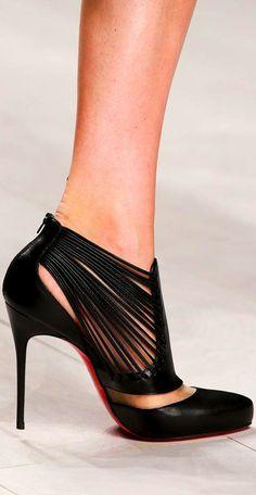 Black and sexy shoe www.ScarlettAvery.com